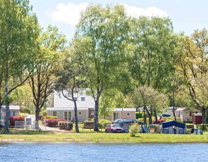 Camping Le Port de Neuvic***