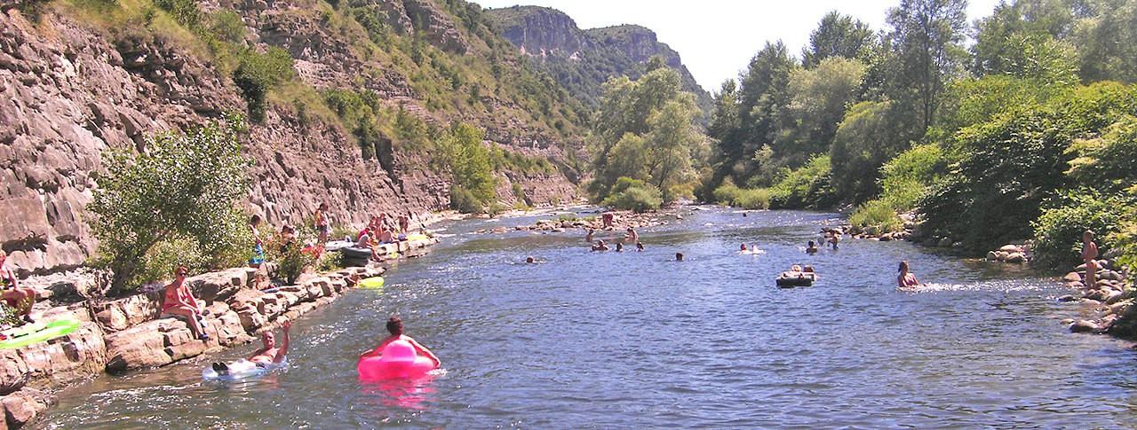 Camping Le Plan d'eau rivière Ardèche