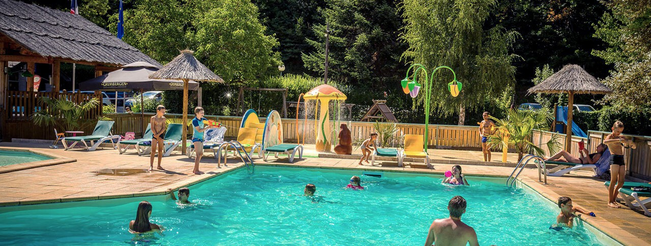 Camping le pont du tarn florac loz re languedoc for Camping lozere piscine