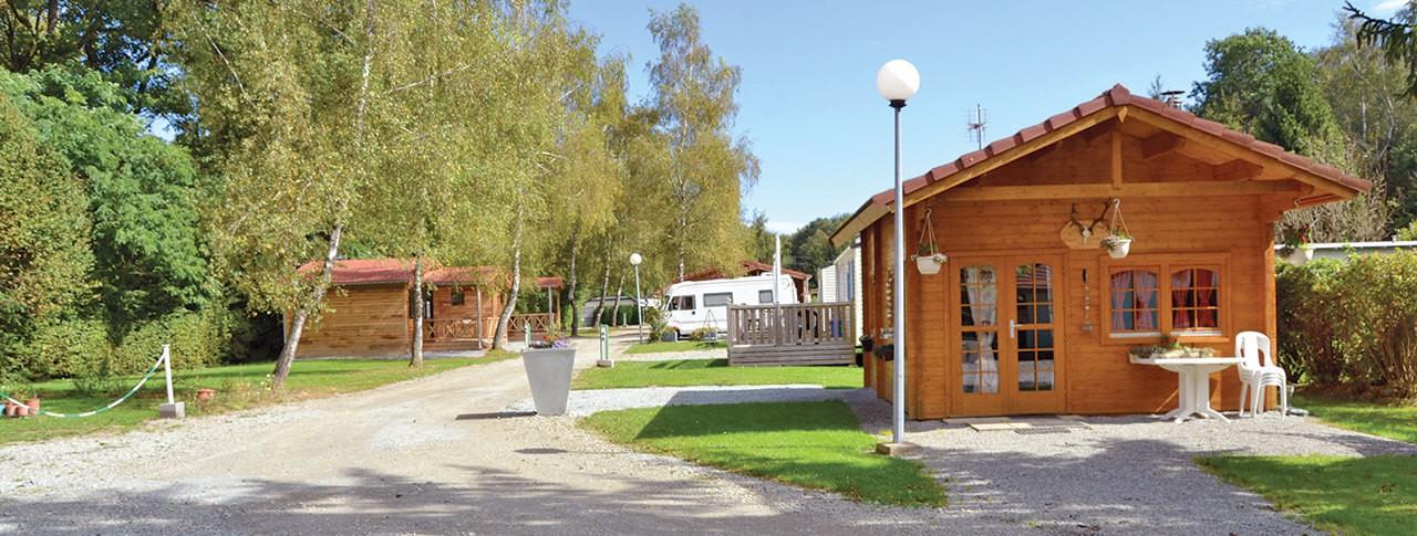 camping du Lac de la Seigneurie location de chalets à Leval