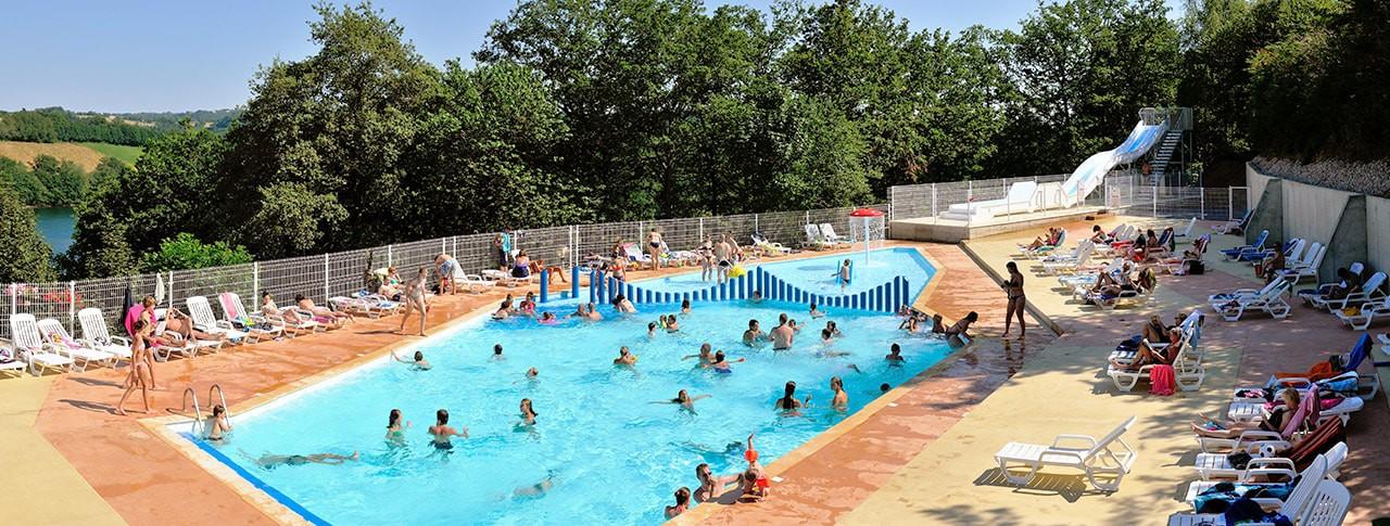 camping les terrasses du lac - aveyron - piscine et toboggans aquatiques