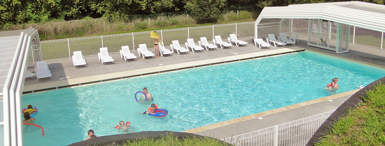 Camping Domaine du Rompval piscine couverte
