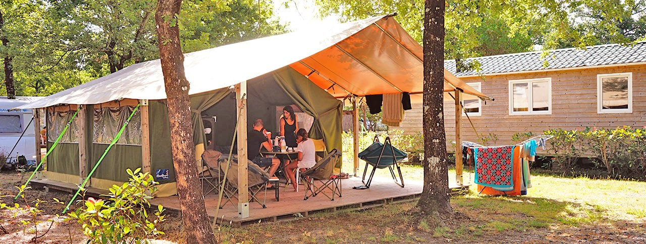 Camping Le Médoc Bleu bungalow toilé freeflower
