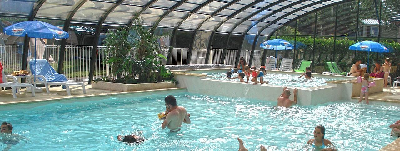 Camping La Vallée Verte piscine couverte chauffée