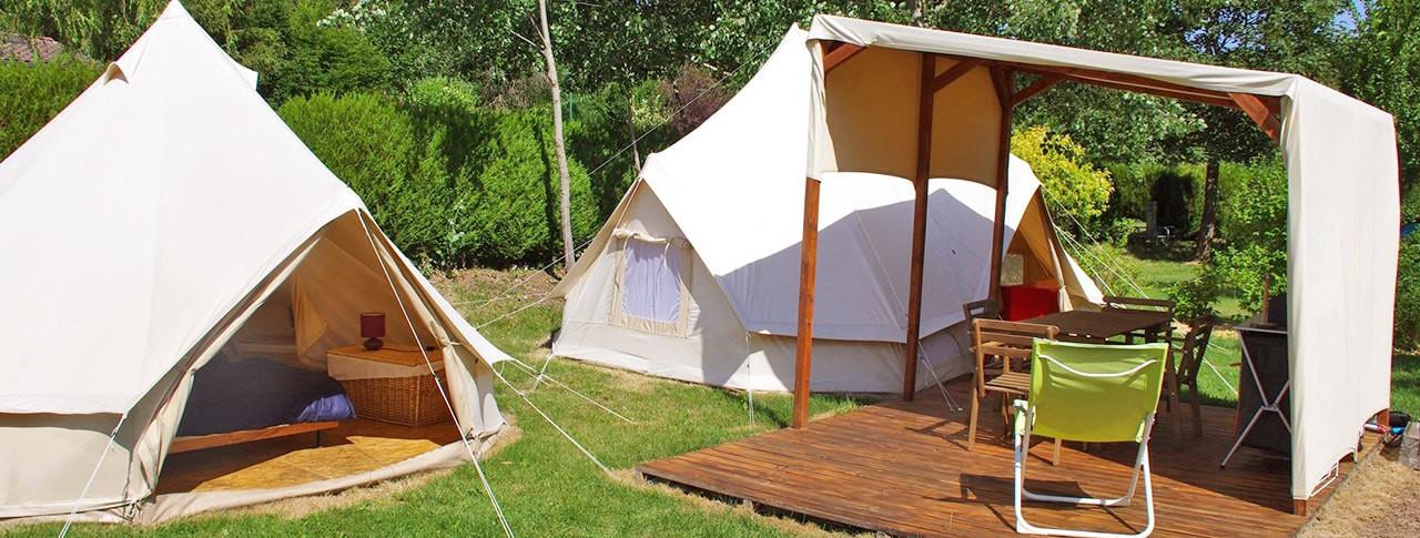 Camping La Rochelambert tipi
