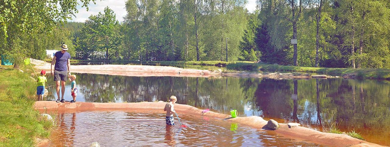Camping La Sténiole étang