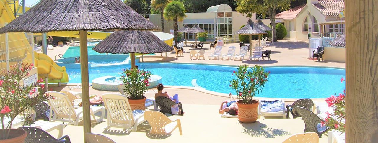 Camping Les Biches piscine toboggans Vendée