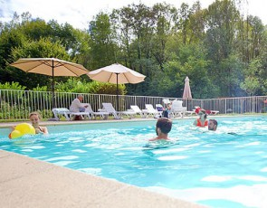 camping-l-arize-piscine-ariege-pyrenees.jpg