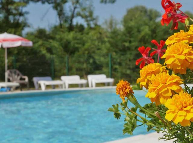 Camping Les 3 Ours piscine extérieure-3