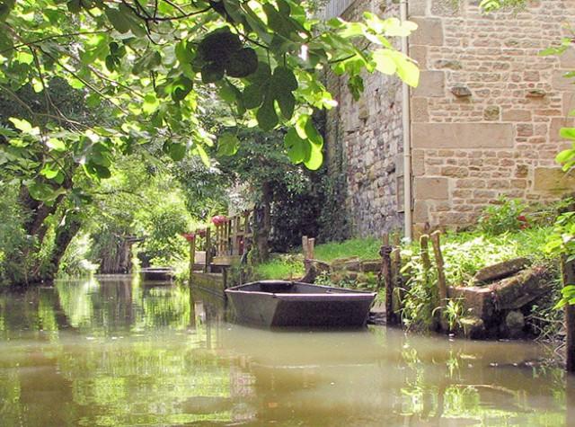 Camping La Venise Verte barques canaux Marais Poitevin-4