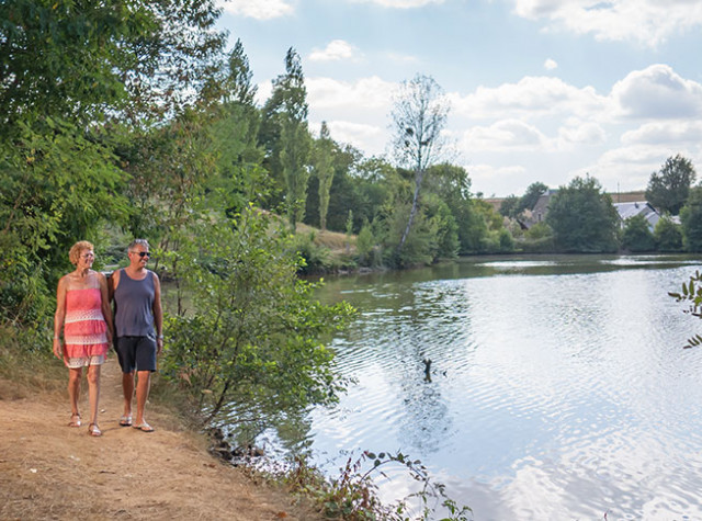 camping-lac-de-bonnefon-lac-pano.jpg-3