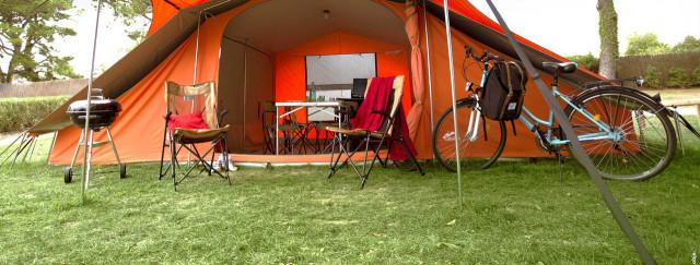 camping-en-tente-equipee-ready-to-camp-1.jpg