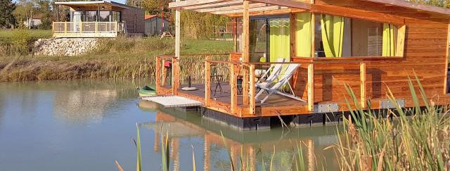 Camping avec Cabane sur l'eau
