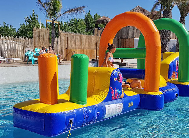 camping Robinson jeux gonflable piscine-5