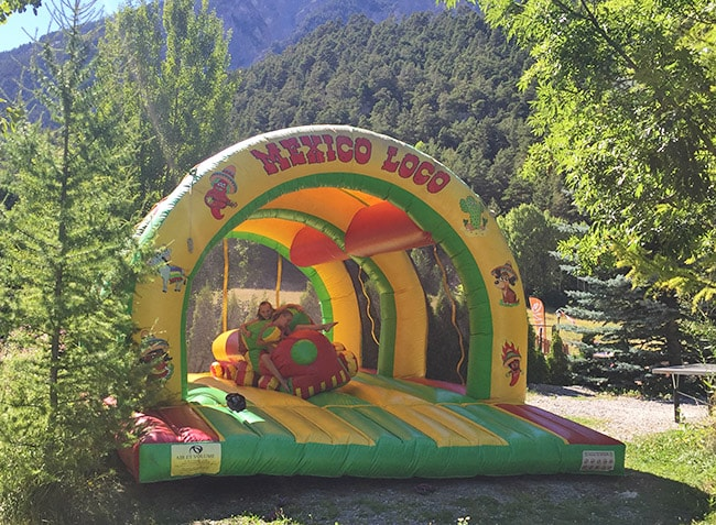 camping-montana-jeux-gonflables-min.jpg-7