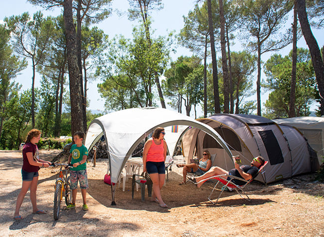 camping-le-provencal-emplacement.jpg-7