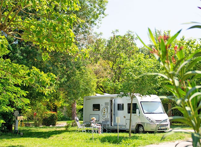 camping le moulin des iscles emplacement-11